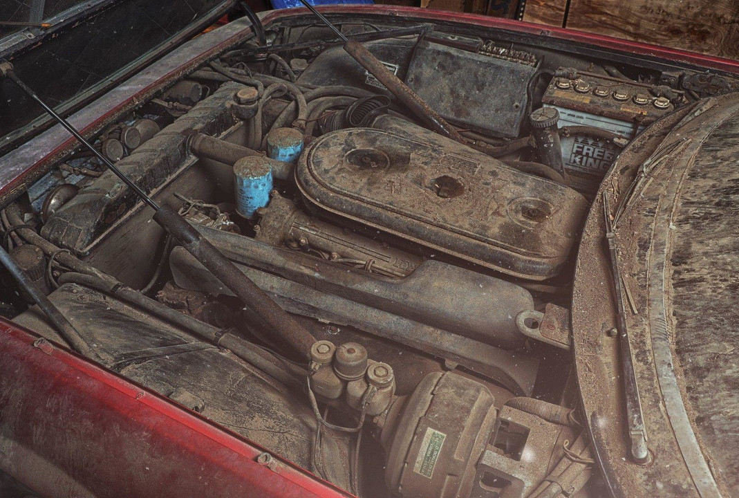 Foto de Ferrari 365 GB4/4 Daytona Berlinetta Alloy by Scaglietti (11/28)