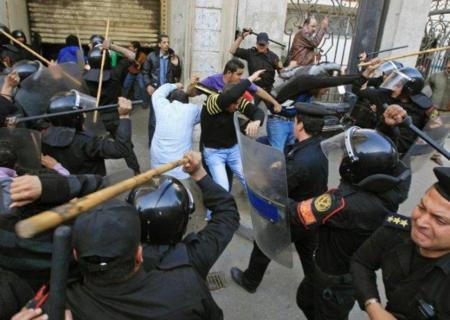 Egipto tumba Internet para evitar que triunfe la revuelta popular