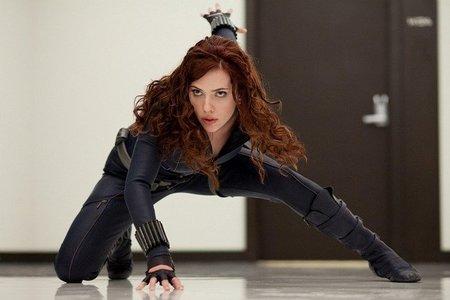 Pobre Scarlett Johansson, menuda toña le arreó Iron Man