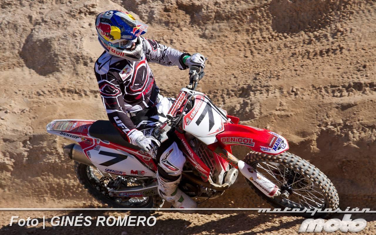 Foto de Álvaro Lozano empieza venciendo en el Campeonato de España de MX Élite 2012 (34/38)