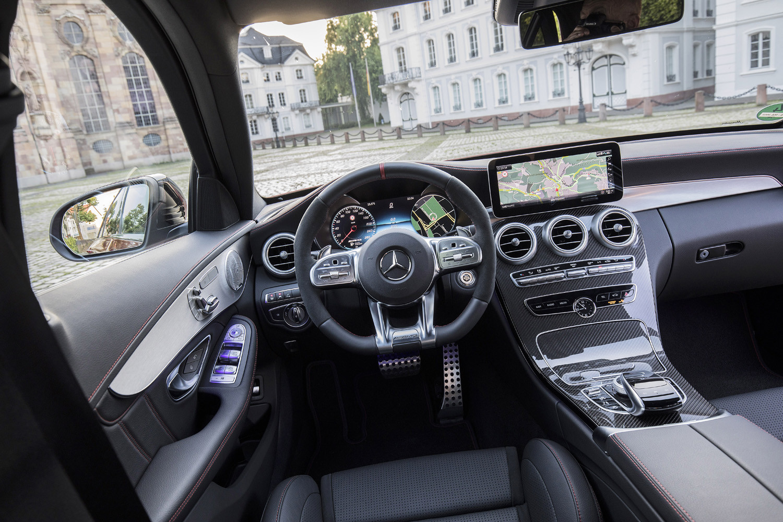 Foto de Mercedes-Benz Clase C 2018, toma de contacto (186/255)