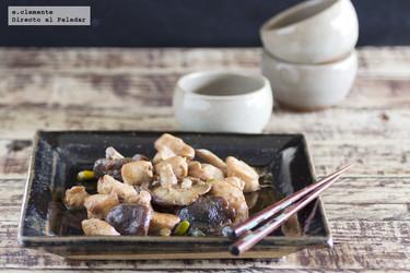 Pechuga de pollo con shiitake, pistachos y cerveza. Receta