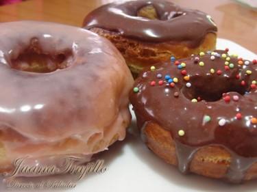 Donuts de chocolate. Receta de postre