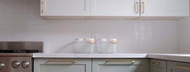 Tiradores de tendencia y vinilos para transformar el aspecto de tu cocina fácilmente