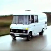 El primer coche autónomo fue esta furgoneta Mercedes-Benz, creada en 1986 por el ingeniero Ernst Dickmanns