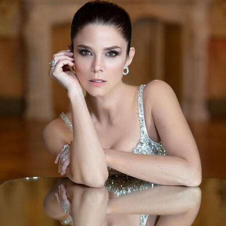Una falda de tul y un sujetador joya: todo lo que ha necesitado Juana Acosta para brillar en los Premios Goya 2021