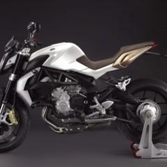 Foto 6 de 27 de la galería mv-agusta-brutale-675-desvelada-en-el-eicma-2012 en Motorpasion Moto