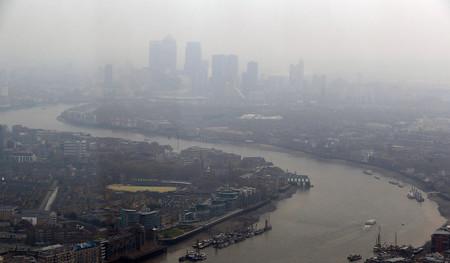 Londres contra el coche: los vehículos pre-2006 tendrán que pagar 23 euros diarios por circular