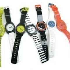 nuevos-relojes-de-nixon-para-la-primavera-verano-2010