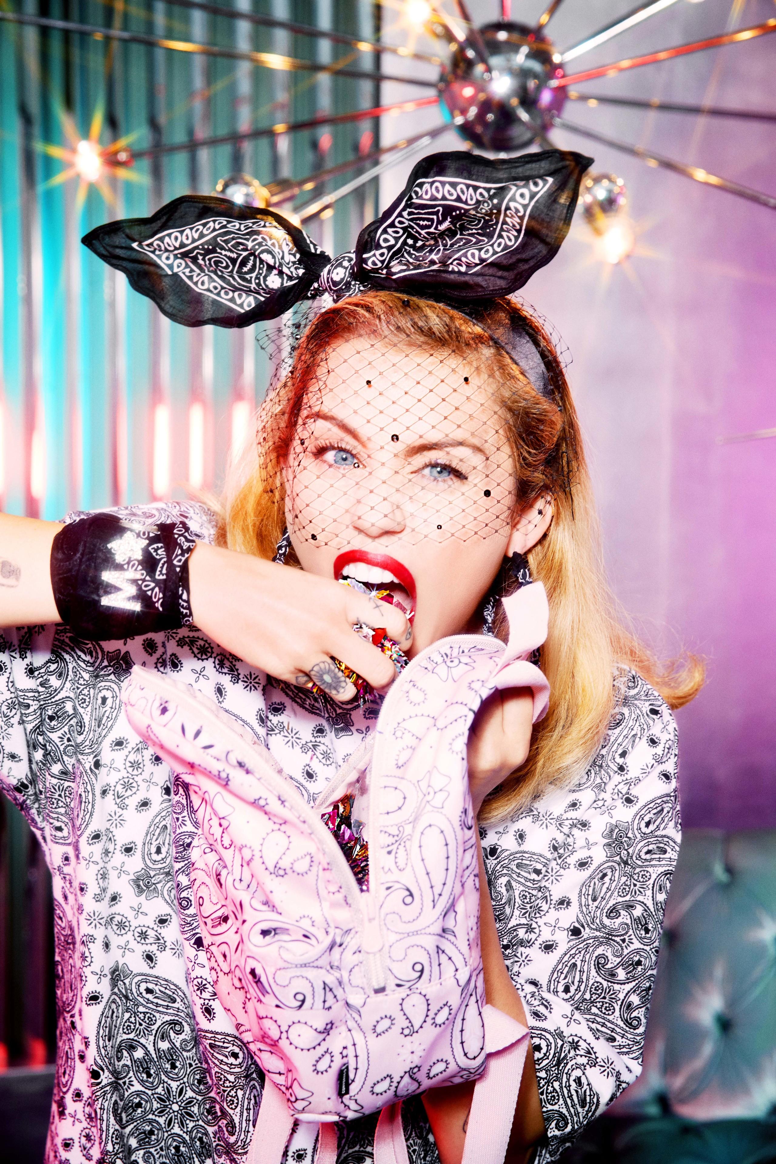 Converse x Miley Cyrus x Bershka