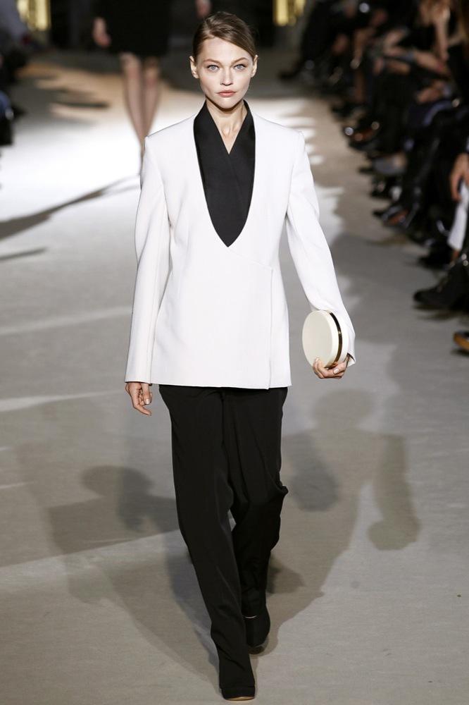 Foto de Stella McCartney Otoño-Invierno 2011/2012 en la Semana de la Moda de París:  (12/25)