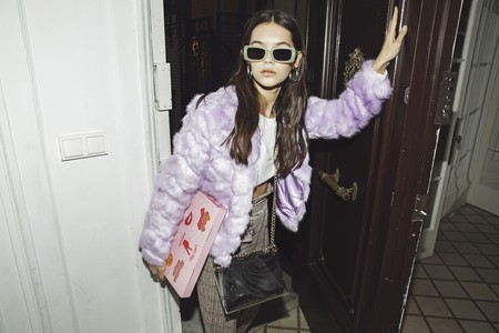 El nuevo bolso de Paula Gonu es desmontable, viene en una caja de pizza y es tan mono que lo llevarás las 24 horas del día