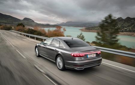 Audi A8 2018 trasera dinámica