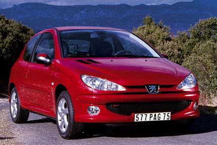 ¿Merece la pena comprarse un coche de segunda mano barato?