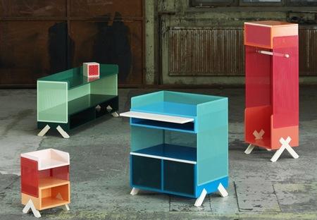 Peep, muebles de almacenaje de rejilla que permiten el paso de la luz