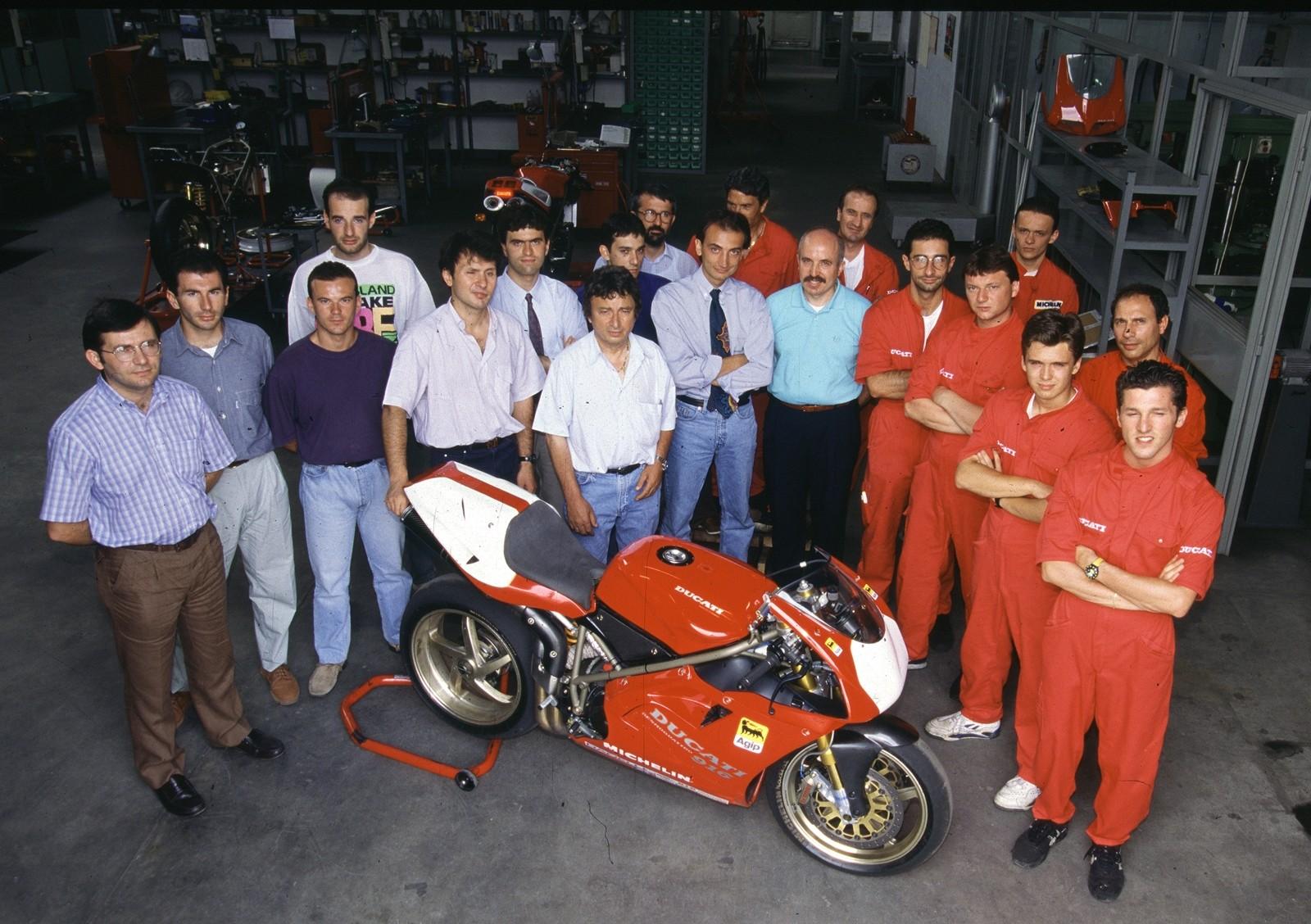 Foto de Ducati Panigale V4 25° Anniversario 916 (47/73)