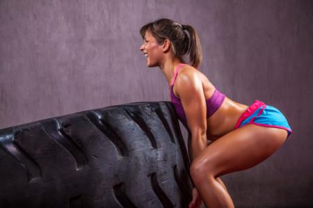 mujer rueda