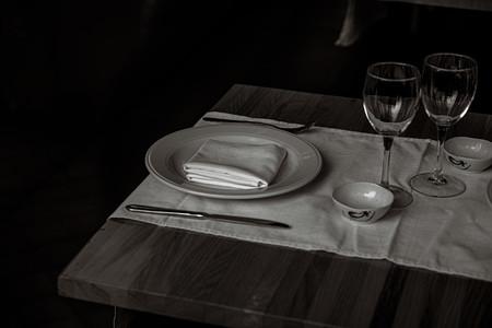Cómo virar una fotografía en blanco y negro con Photoshop para que parezca igual que en tiempos químicos