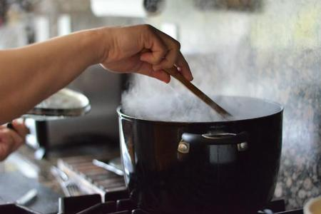 ¿Por qué nos relaja cocinar?