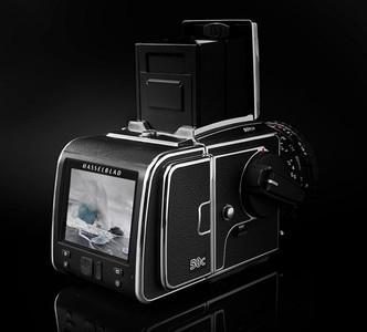 Hasselblad ha lanzado un nuevo respaldo digital derivado de la H5D-50c con muy buena pinta, pero carísimo