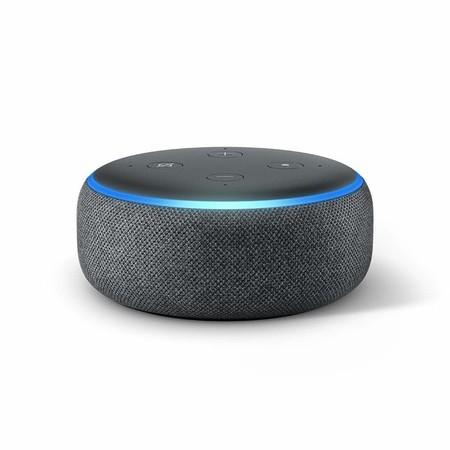 El Echo Dot vuelve a bajar de precio en Amazon a 29,99 euros y llega a tiempo para Navidad