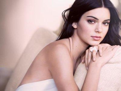 Double Wear Nude Cushion Stick, la apuesta de Estée Lauder por un maquillaje efecto velo