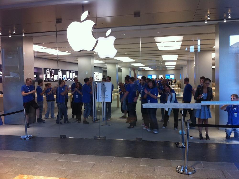 Foto de Inauguración Apple Store La Maquinista (8/93)
