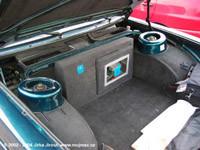 Integración de un PowerMac G4 en un Tatra 613 (que es un coche)