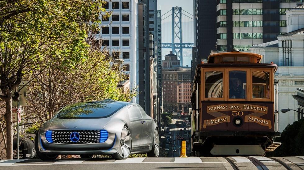Mercedes-Benz ya no quiere coches autónomos como taxi: