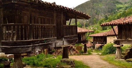 06815 Conjunto De Horreos En Espinareu Pilona