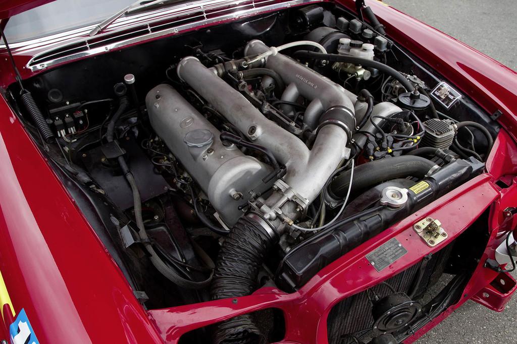 Mercedes 300 SEL 6.8 AMG motor