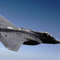 """Un radar capaz de dar con aviones """"indetectables"""" como el F-35: así promete ser el sistema de detección del KJ-600 chino"""