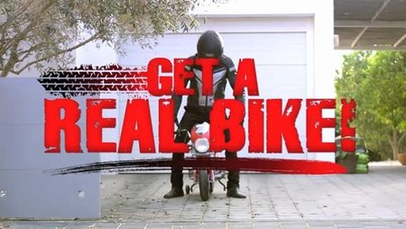 Aprilia hace motos de verdad para hombres de verdad