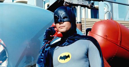Muere Adam West, el inigualable Batman de la serie de televisión de los sesenta