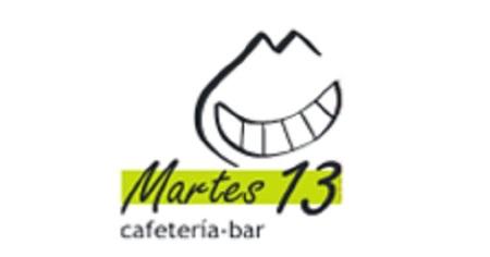 Copa de vino y tapa gratis en el aniversario de la cafetería Martes13