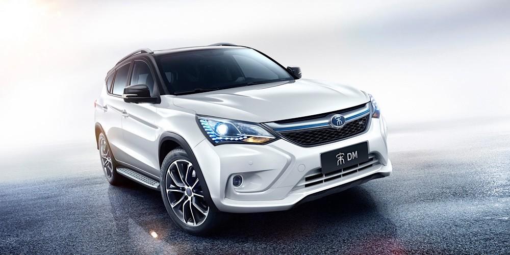 China nos lleva años de ventaja en el coche eléctrico y dominará el mercado durante décadas, según predice Bloomberg
