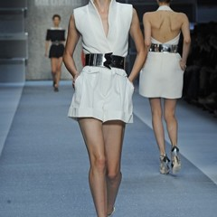 Foto 8 de 15 de la galería karl-lagerfeld-primavera-verano-2010-en-la-semana-de-la-moda-de-paris en Trendencias