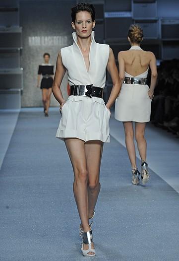 Karl Lagerfeld, Primavera-Verano 2010 en la Semana de la Moda de París