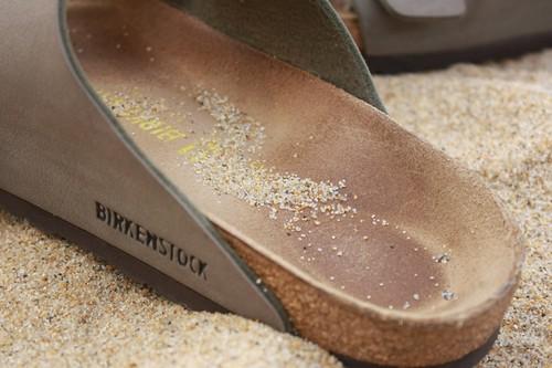 Chollos en tallas sueltas de zapatillas, chanclas y sandalias, New Balance o Birkenstock en Amazon