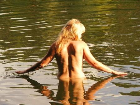 Desnudos delante de los hijos