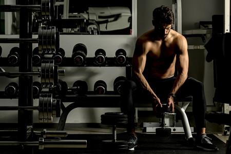 Conoce la verdad detrás de los ocho mitos más populares sobre el levantamiento de pesas