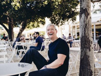 Tim Cook entrega 50.000 acciones de Apple a organizaciones benéficas