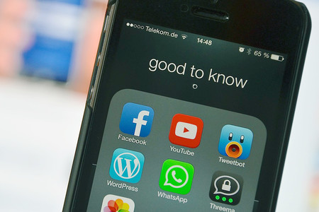 Lo sabíamos y Facebook lo reconoce: las redes sociales pueden 'corroer la democracia', aunque no todo es malo