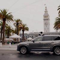 Más multas a la vista, dimisión de su jefa de Comunicación... Uber resiste como puede la tormenta
