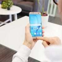 Samsung da pistas sobre el asistente virtual que se estrenará con el Galaxy S8
