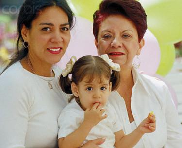 Encuentro de seis generaciones en Colombia