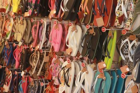 Las mejores ofertas de zapatillas (y chanclas) hoy en las rebajas: Adidas, Nike y Quiksilver más baratas