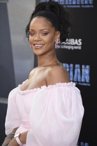 El estreno de Valerian nos regala looks de altura protagonizados por Rihanna y Cara Delevingne (entre otras)