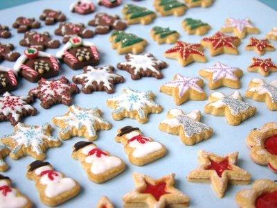 Recetas de Navidad para preparar con los niños: galletas de canela para decorar el árbol