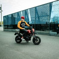 Brixton Crossfire 125 XS: una mini bike con personalidad propia que promete guerra a la Honda Monkey, desde 2.099 euros